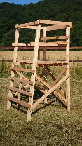 Drückjagdbock 2-Sitzer 2,40m aus unbehandelter Lärche